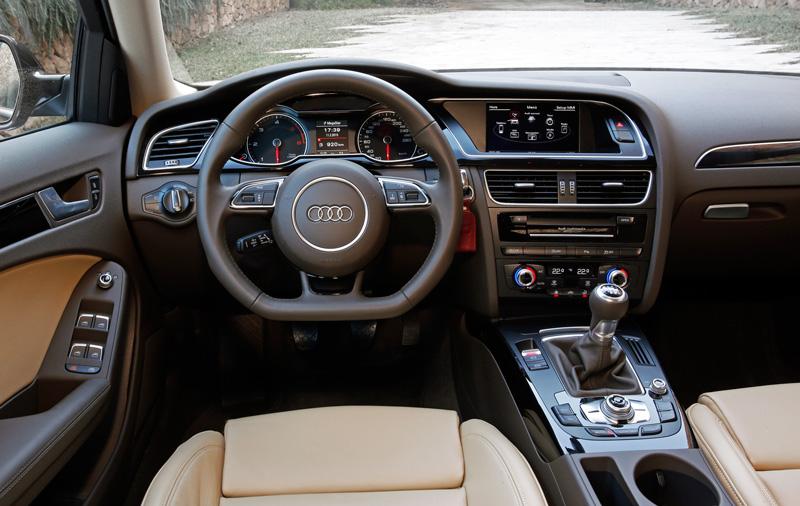 Foto Salpicadero Audi A4 Avant Ultra Familiar 2015