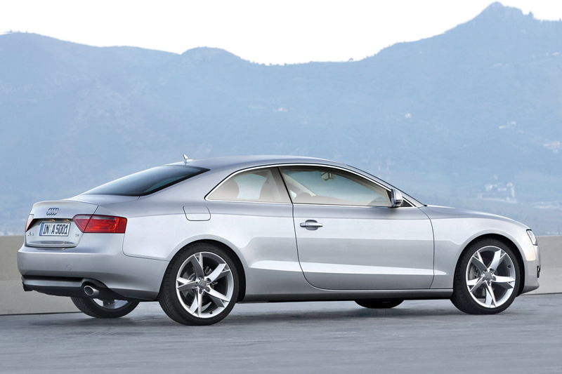 Foto Lateral Audi A5 Cupe 2009