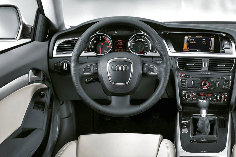 Foto Salpicadero Audi A5 Cupe 2009