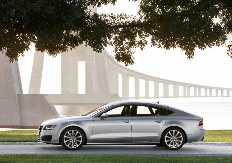 Foto Perfil Audi A7 Dos Volumenes 2010