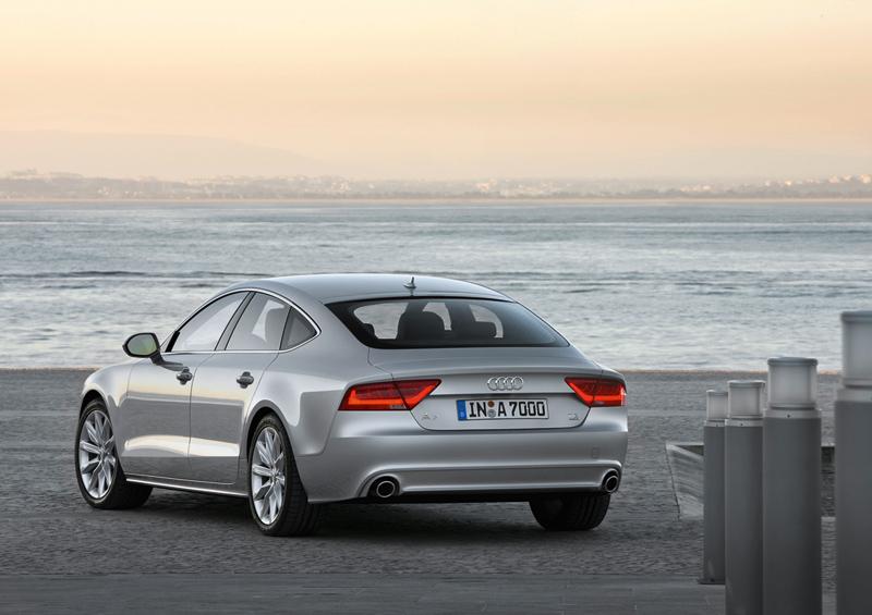 Foto Trasera Audi A7 Dos Volumenes 2010