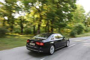 Foto Exteriores (6) Audi A8-hibrido 2012