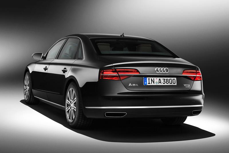 Foto Trasera Audi A8 L Security Berlina 2014