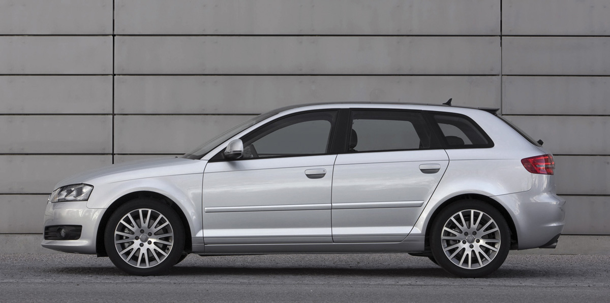 Foto audi a3 sportback perfil 2008 audi coches historicos for Audi a3 3 puertas