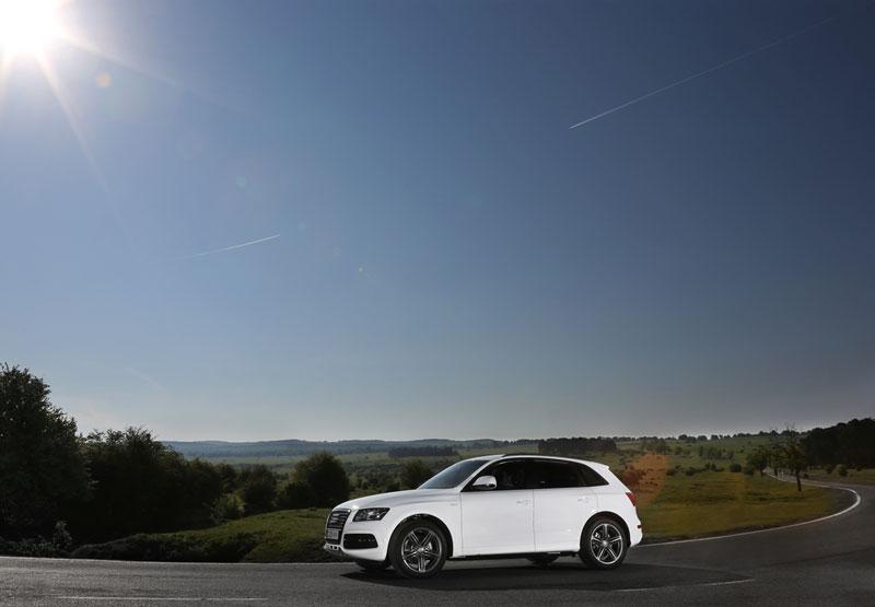 Foto Exteriores (10) Audi Q5-hibrido 2012