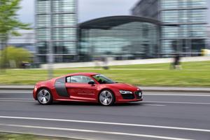 Foto Exteriores (4) Audi R8-e-tron Cupe 2013