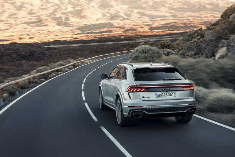 Audi RS Q8, foto trasera