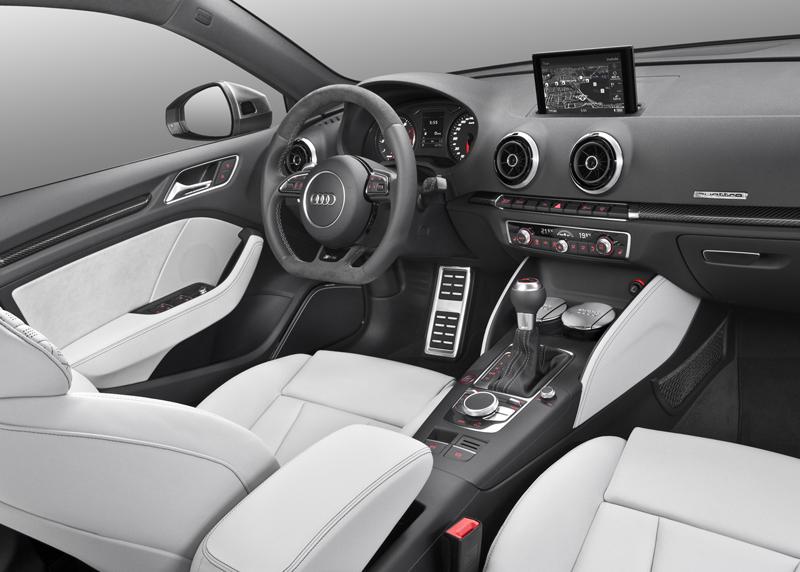 Foto Interior Audi Rs3-sportback Dos Volumenes 2015