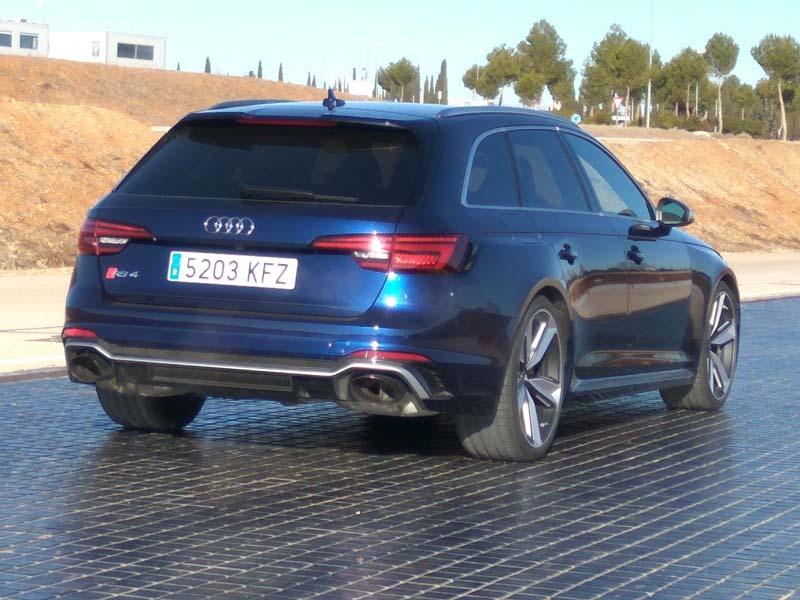 Audi RS4 Avant, foto trasera