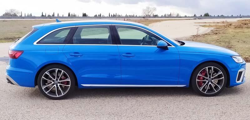 Audi S4 Avant 2020, foto lateral