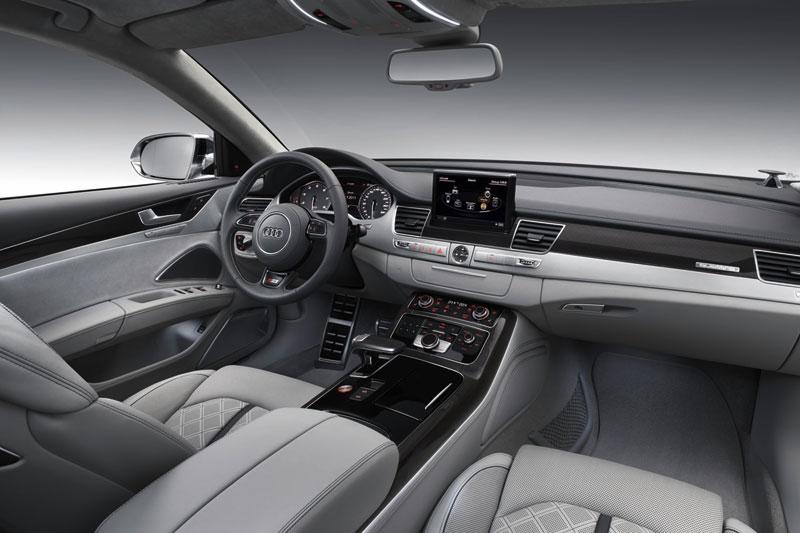 Foto Salpicadero Audi S8 Sedan 2012