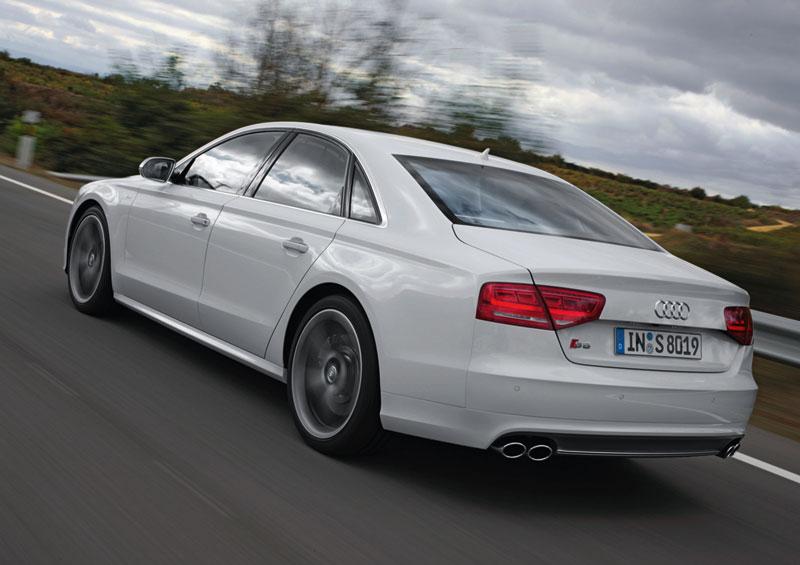 Foto Trasera Audi S8 Sedan 2012