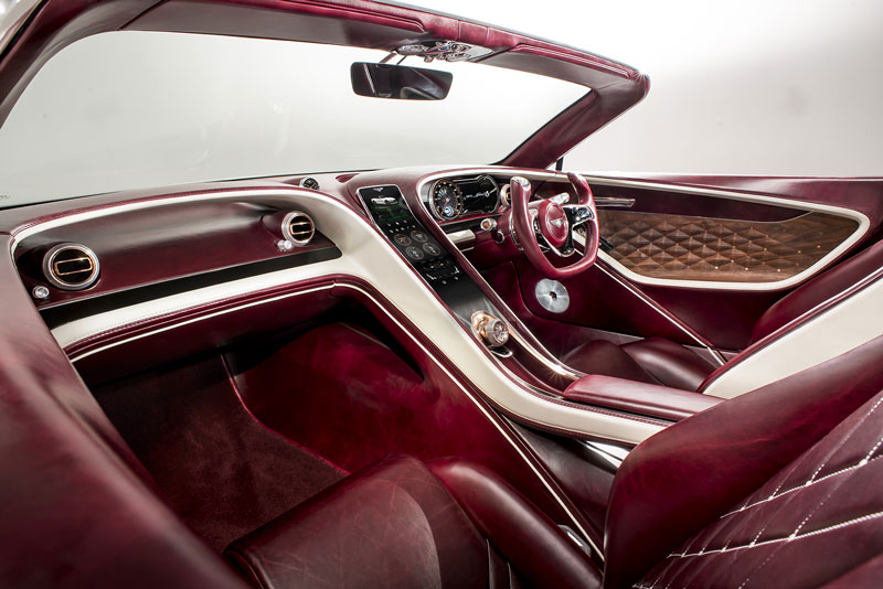 Interior del Bentley EXP 12 Speed 6e