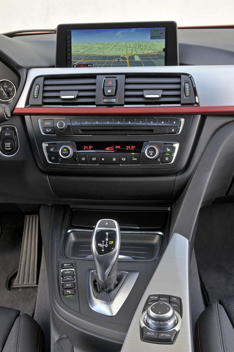 Foto Detalles Bmw Series 3 Sedan 2011
