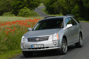 Foto Delantero Cadillac Srx Suv Todocamino 2008