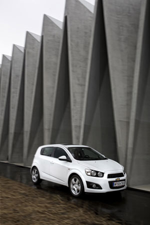 Foto Exteriores (4) Chevrolet Aveo Dos Volumenes 2011