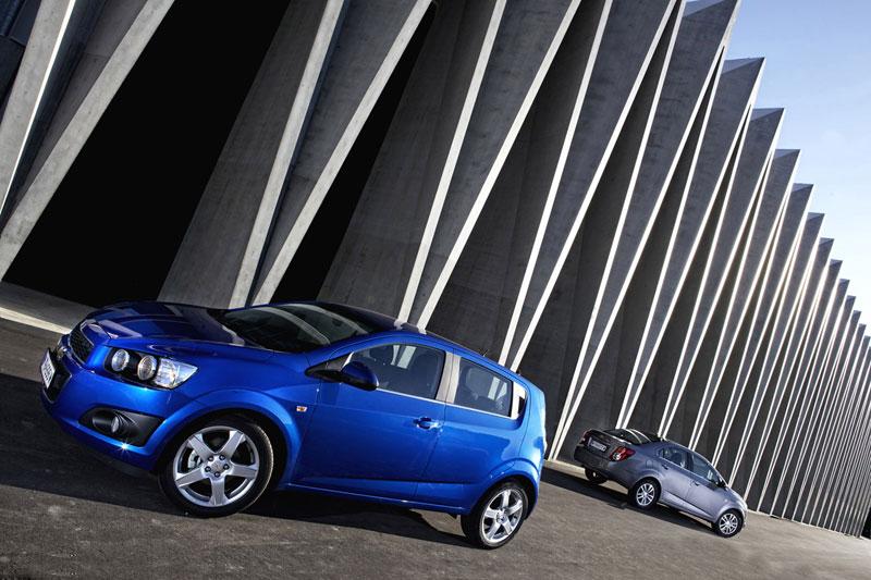 Foto Exteriores Chevrolet Aveo Dos Volumenes 2011