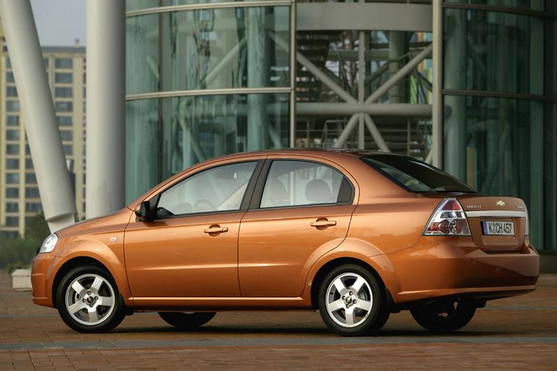 Foto Lateral Chevrolet Aveo Sedan 2008