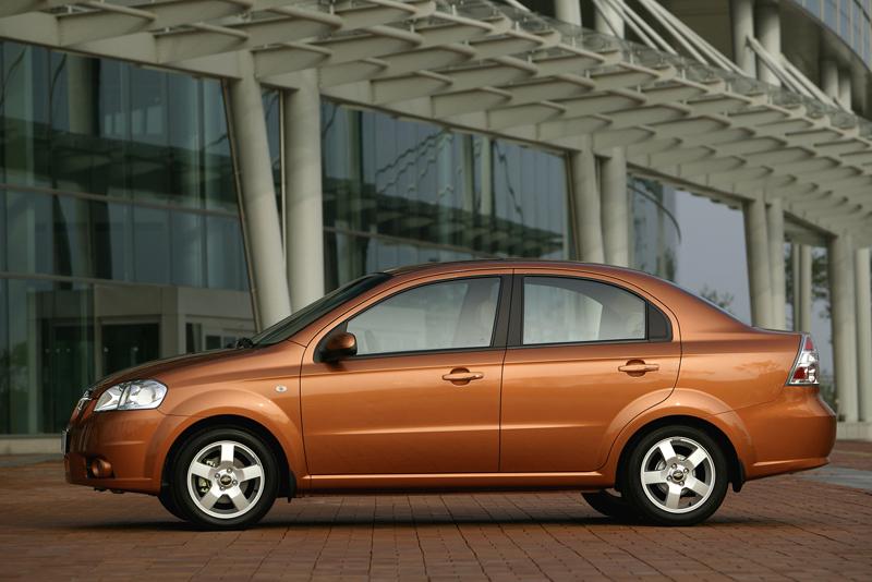 Foto Perfil Chevrolet Aveo Sedan 2008