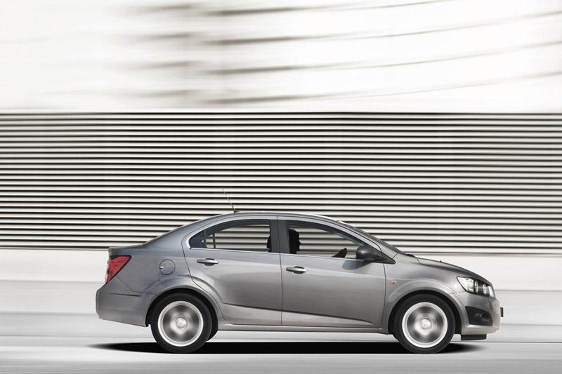 Foto Perfil Chevrolet Aveo Sedan 2011