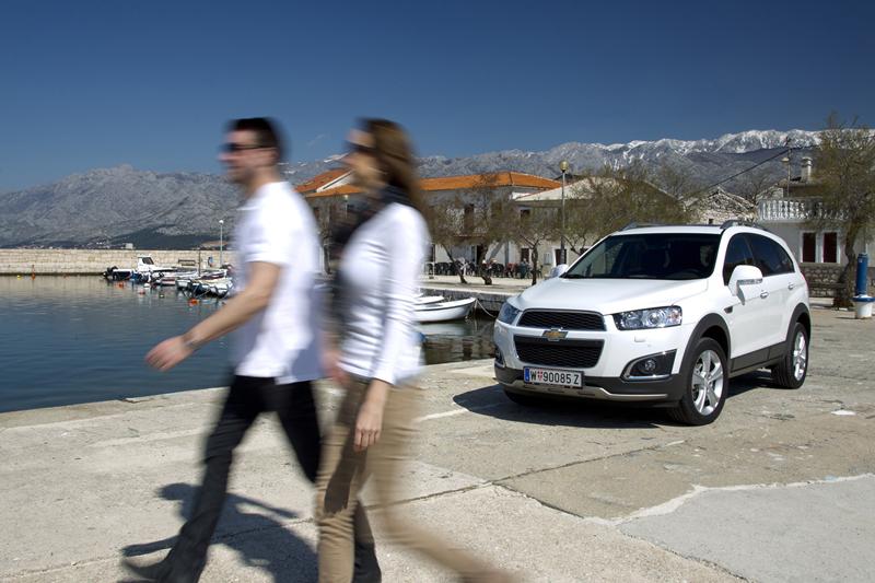 Foto Exteriores (10) Chevrolet Captiva Suv Todocamino 2013