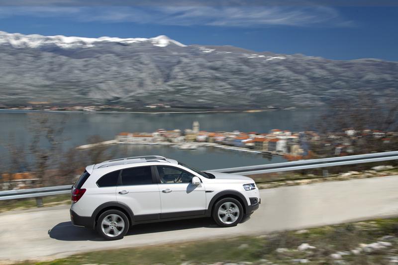 Foto Exteriores (13) Chevrolet Captiva Suv Todocamino 2013