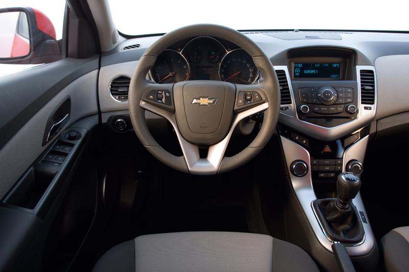 Foto Salpicadero Chevrolet Cruze Sedan 2009