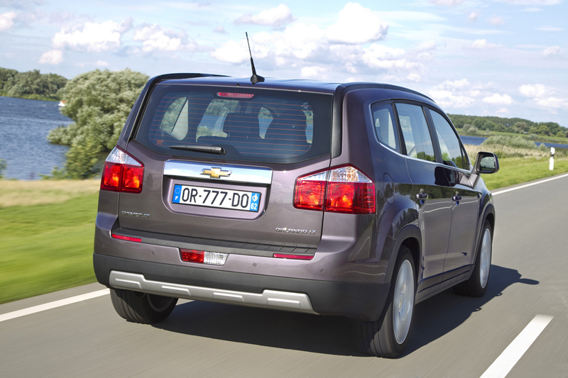 Foto Trasera Chevrolet Orlando Monovolumen 2010