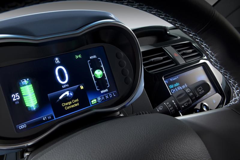 Foto Interiores Chevrolet Spark Ev Dos Volumenes 2013