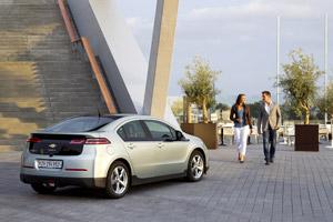 Foto Trasera Chevrolet Volt Sedan 2011