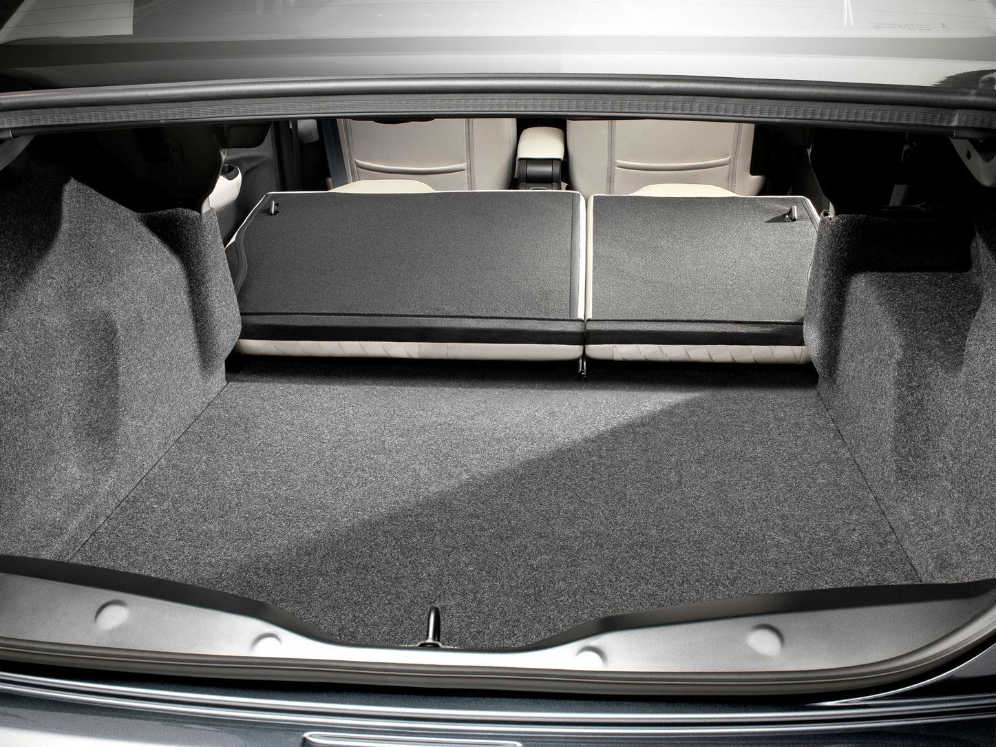 Foto Interiores Citroen C Elysee Sedan 2012