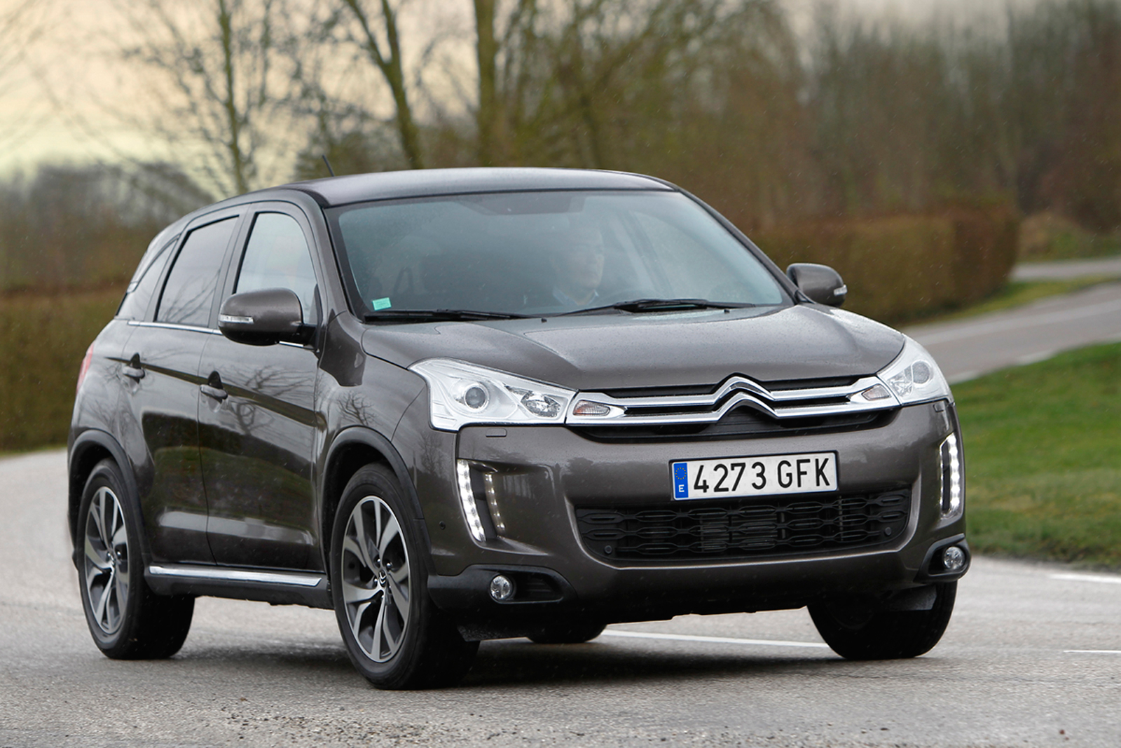 foto perfil citroen c4 aircross collection suv todocamino 2014. Black Bedroom Furniture Sets. Home Design Ideas