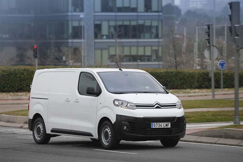Citroën ë-Jumpy, foto delantera