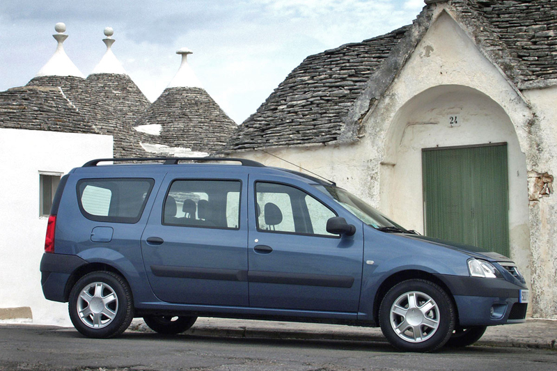 Foto Lateral Dacia Logan Familiar 2006