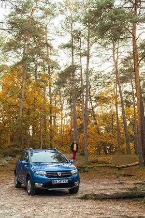 Foto Exteriores (3) Dacia Sandero-stepway Dos Volumenes 2012