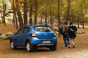 Foto Exteriores (4) Dacia Sandero-stepway Dos Volumenes 2012