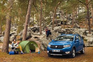 Foto Exteriores (6) Dacia Sandero-stepway Dos Volumenes 2012