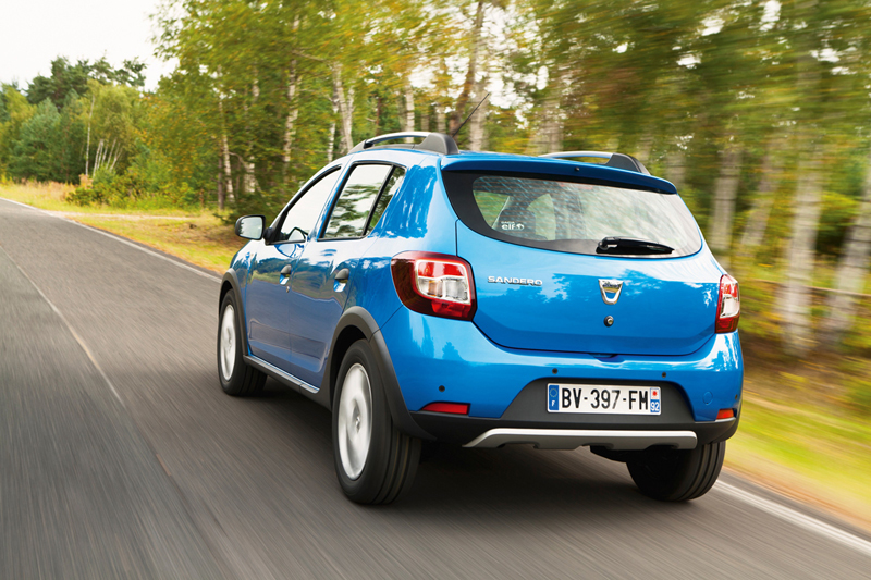 Foto Trasera Dacia Sandero Stepway Dos Volumenes 2012