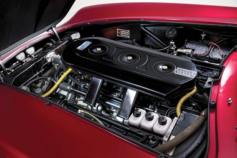 Foto Tecnicas Ferrari 275 Gts 4 Nart Spider Descapotable 1968