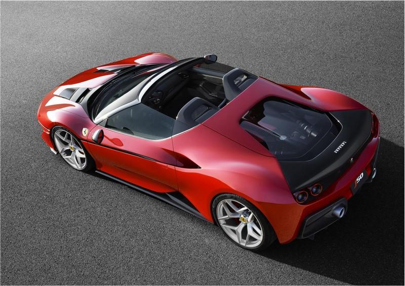 Foto Trasera Ferrari J50 Descapotable 2016