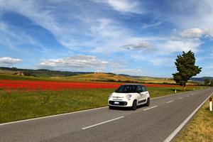 Foto Exteriores (11) Fiat 500l Monovolumen 2012