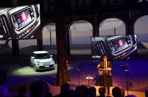 Foto Exteriores (2) Fiat 500l Monovolumen 2012