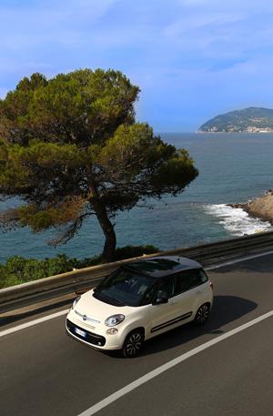 Foto Exteriores (4) Fiat 500l Monovolumen 2012