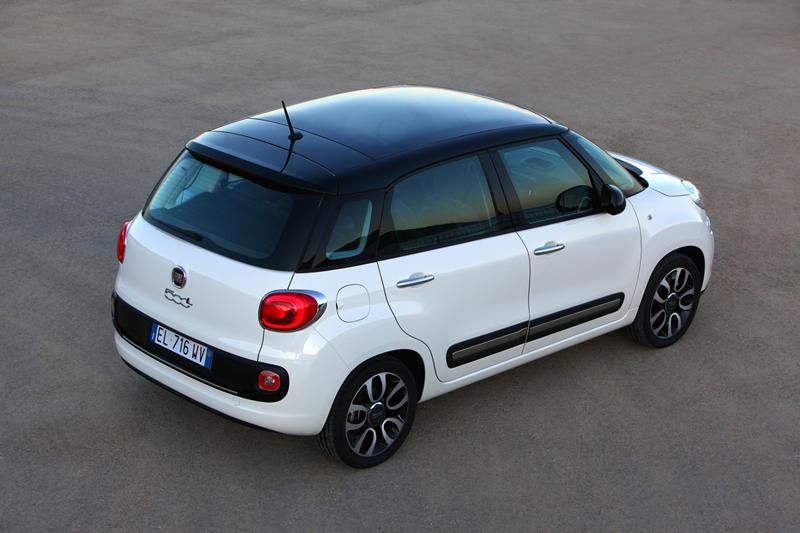 Foto Trasera Fiat 500l Monovolumen 2012