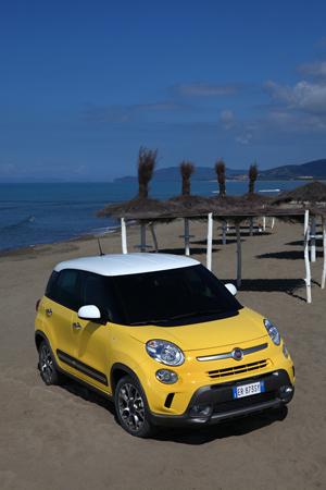 Foto Exteriores (1) Fiat 500l-trekking Dos Volumenes 2013