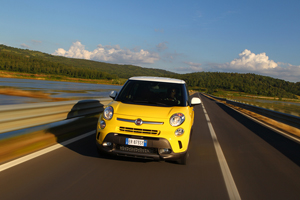 Foto Exteriores (12) Fiat 500l-trekking Dos Volumenes 2013
