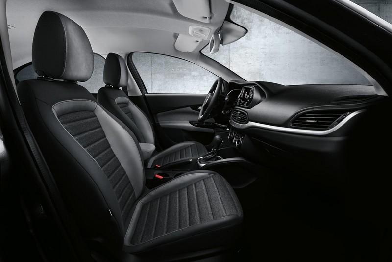 Foto Interiores Fiat Aegea Sedan 2016