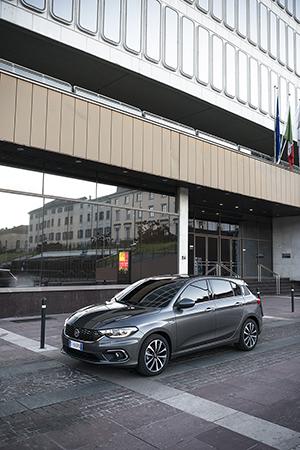 Foto Exteriores (5) Fiat Tipo Dos Volumenes 2016