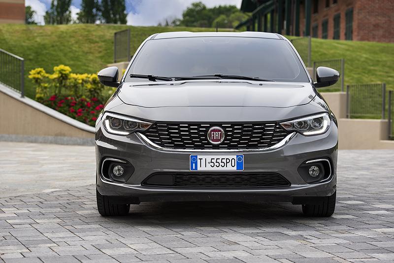 Foto Exteriores Fiat Tipo Dos Volumenes 2016