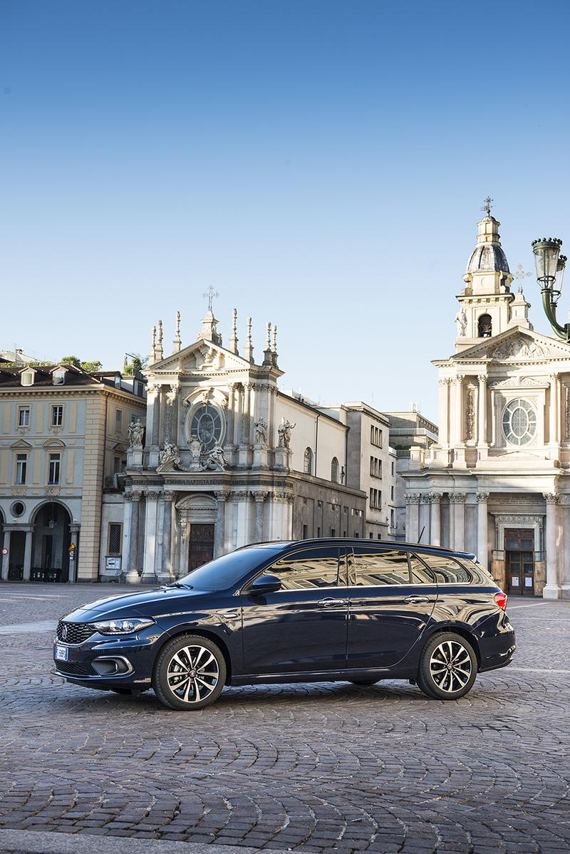Foto Exteriores Fiat Tipo Familiar 2016